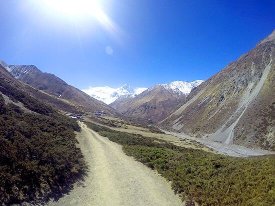 Annapurna Circuit Trekking on trek to Thorong Pedi