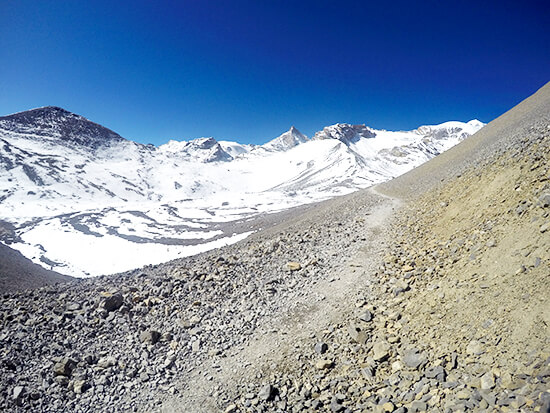 Hiking from Thorong Pedit the Annapurna Circuit Summit