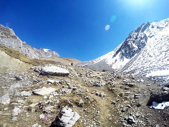 Trekking Mutikanah Valley way down from Annapurna Circuit Summit