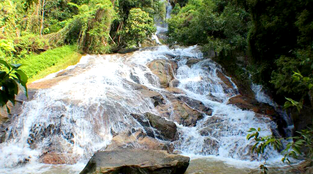 Nu Muang Waterfall 2 in Koh Samui